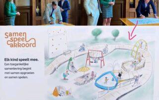 Ondertekening door Koen van Dijk en wethouder Wijbenga. Afbeelding Samen Speel Akkoord. Tekst: Elk kind speelt mee. Een toegankelijke samenleving begint met samen opgroeien en samen spelen.